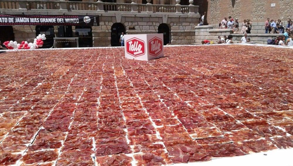 El plato de jamón más grande del mundo
