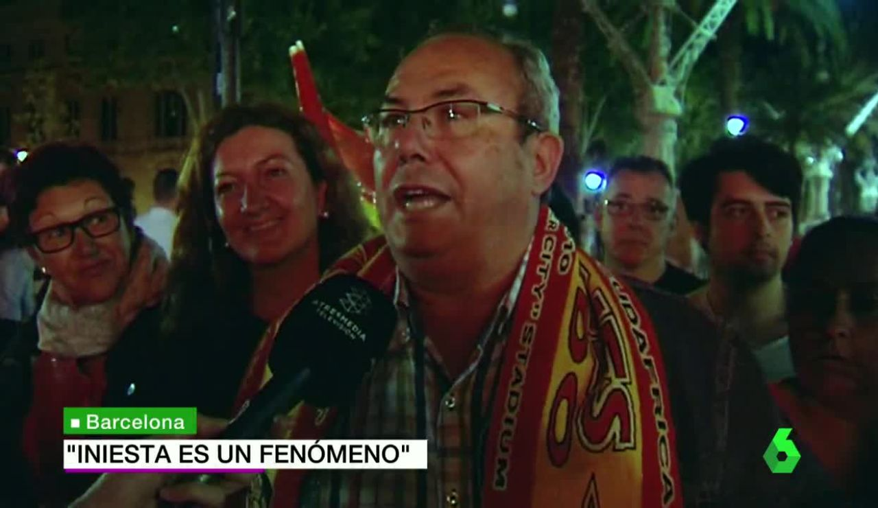 La afición celebra la victoria de España