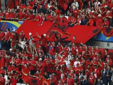 La afición de Albania, ante Francia