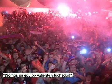 La afición de Osasuna celebra el ascenso en Pamplona