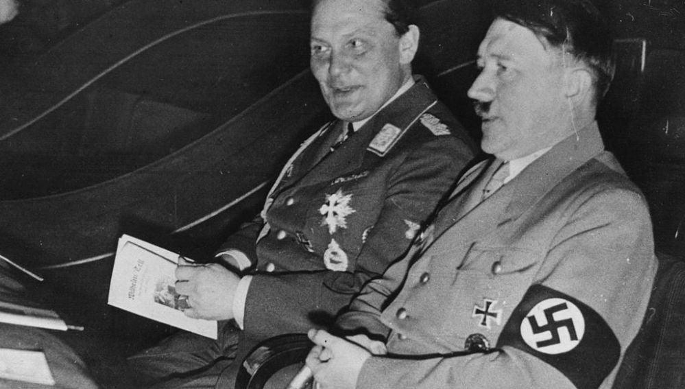 Adolf Hitler y Hermann Goering