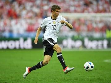 Thomas Müller jugando con Alemania