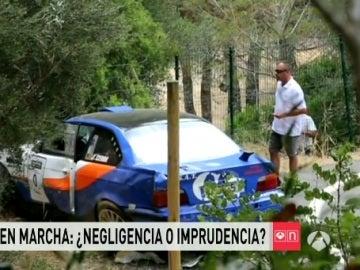 El choche, en el lugar del accidente del Rallysprint Afició de Calvià
