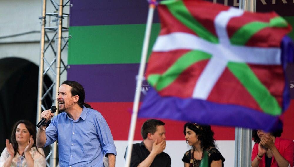 Pablo Iglesias en un acto en Vitoria