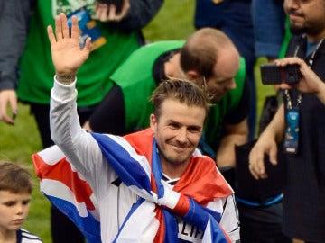 David Beckham, en su etapa en los Galaxy, con la bandera de Gran Bretaña