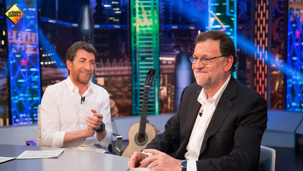 ¿Cuánto daría Mariano Rajoy por poder salir a la calle sin que nadie le conociera?