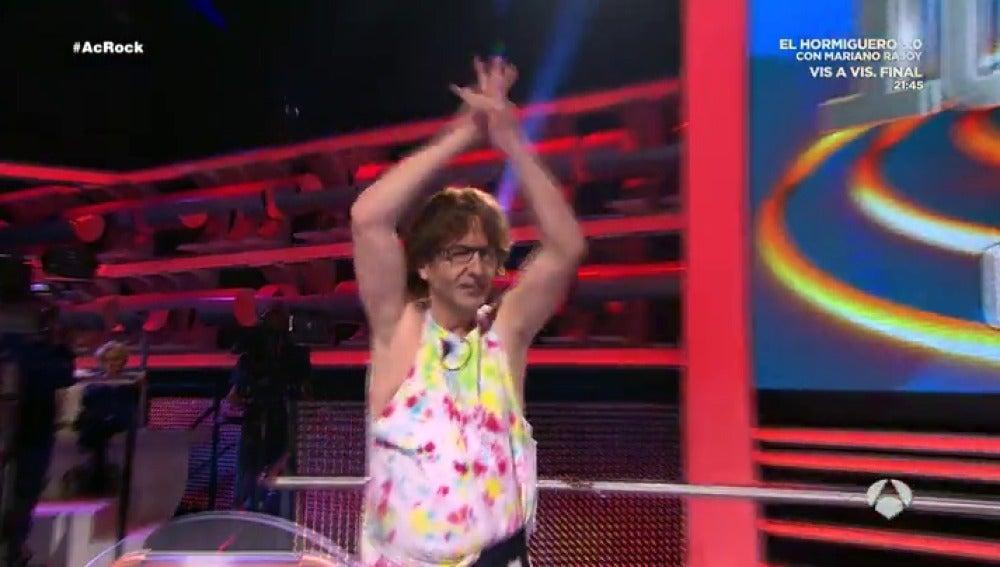 Frame 28.237466 de: La actuación estelar de Mick Jagger en 'Ahora Caigo'