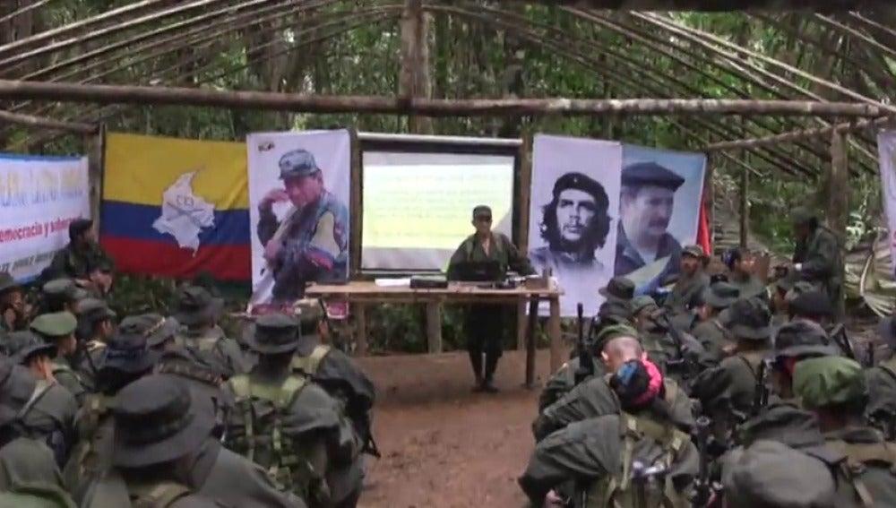 Frame 25.497612 de: El Gobierno colombiano y las FARC llegan a un acuerdo para poner fin al conflicto armado