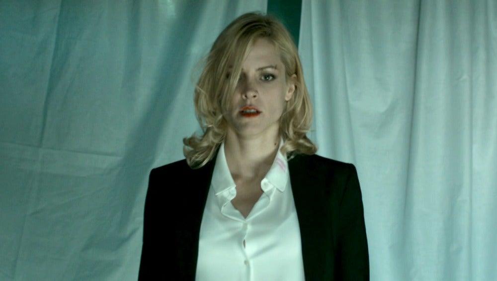 Macarena en el final de la primera temporada