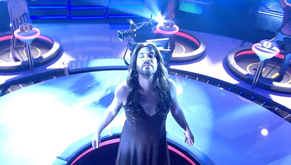 Arturo Valls se mete en la piel de Conchita Wurst