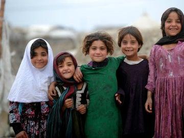 Un grupo de niñas afganas.