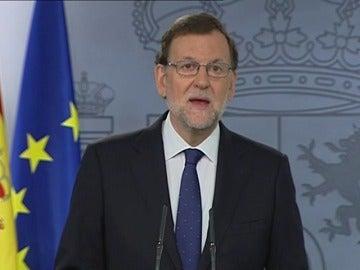 """Frame 5.049017 de: Rajoy: """"Quiero transmtir un mensaje de serenidad y tranquilidad y recordar que el proceso de salida de la UE durará dos años"""""""