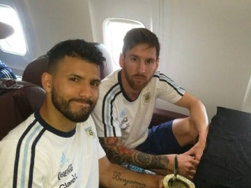 Leo Messi y Agüero