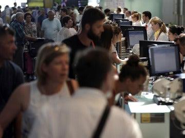 Afectados por las cancelaciones y retrasos en Vueling