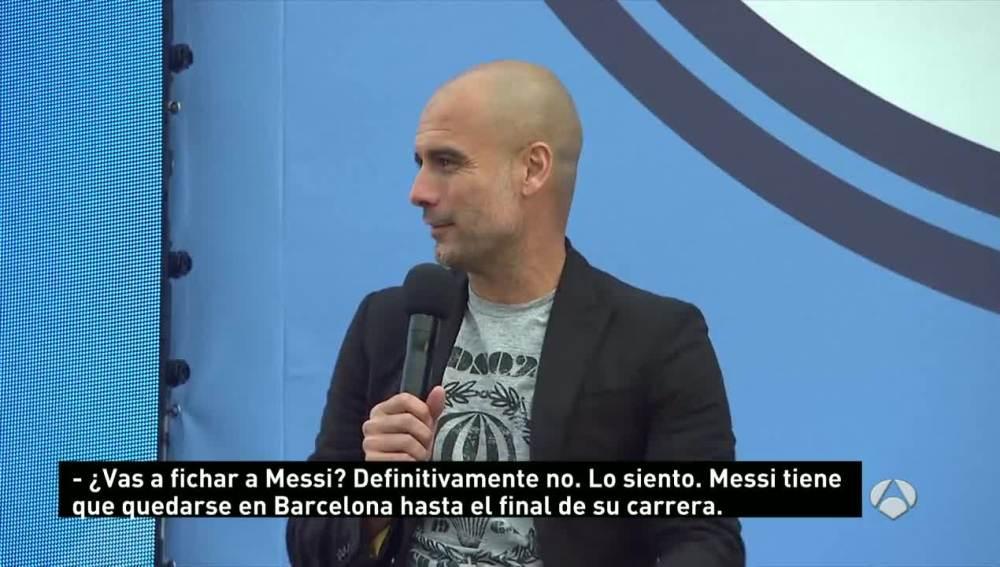 Guardiola durante su presentación con el City