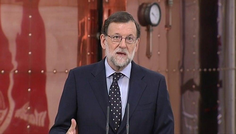 """Frame 16.041367 de: Rajoy apela a un """"acuerdo de mínimos"""" para poner en marcha """"un Gobierno que pueda gobernar"""""""