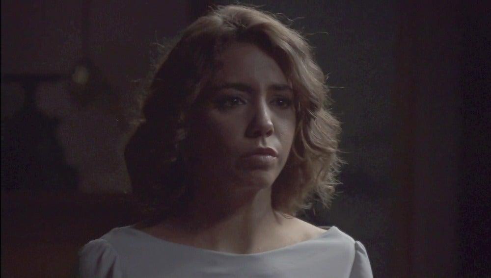 Fe descubre a Emilia en el despacho de Francisca