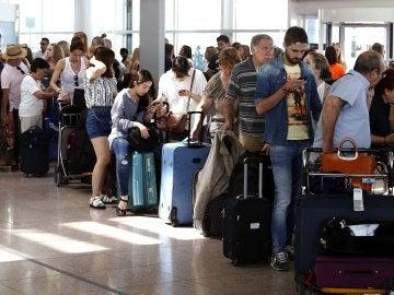 Vueling presenta su plan de contingencia con más aviones y cancelaciones anticipadas de los vuelos