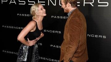 Jennifer Lawrence y Chris Pratt presentan 'Passengers'