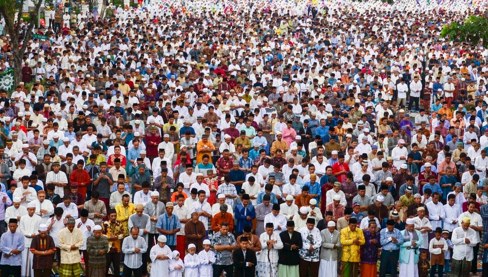 Celebración del fin del Ramadán en Indonesia