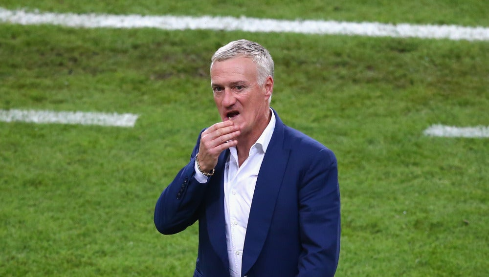 Deschamps, cariacontecido
