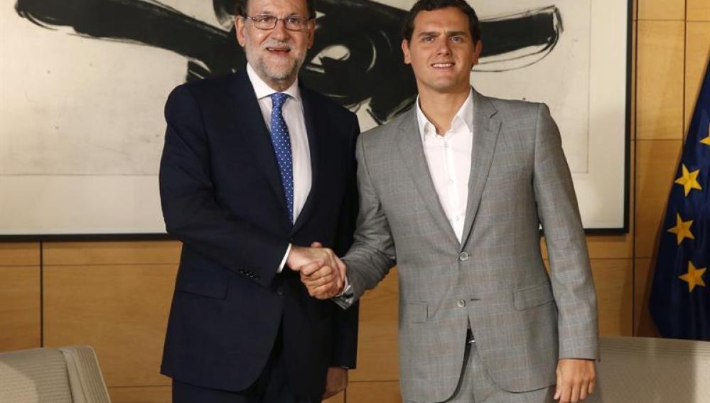 Rajoy y Rivera en su encuentro en el Congreso