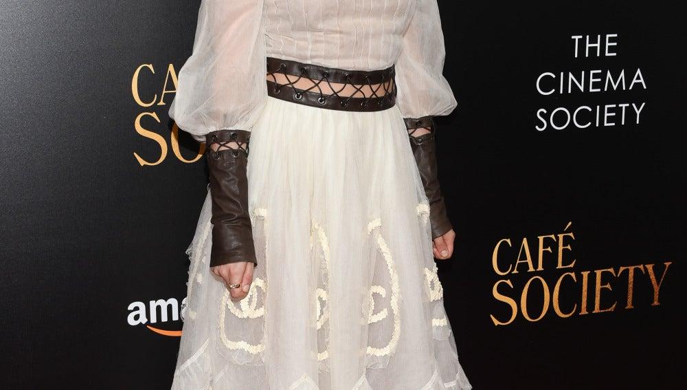 Kristen Stewart, como siempre, desafiando a la moda