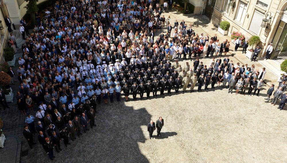 Minuto de silencio por las víctimas de Niza