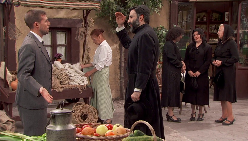 Hipólito pone firme a Don Berengario
