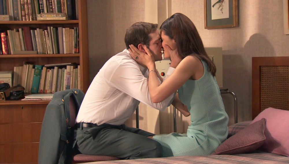 Sofía le cuenta la buena noticia a Guillermo