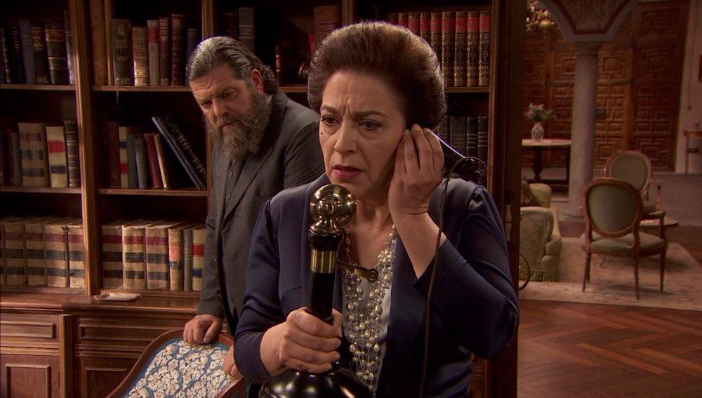 Raimundo cuenta a Francisca los planes de Garrigues