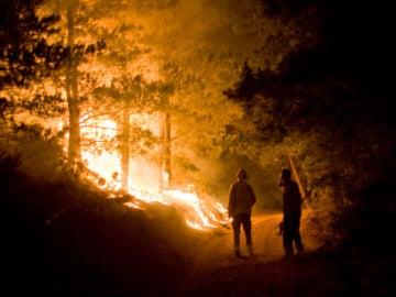 incendio forestal amenaza 1.500 viviendas en Santa Clarita