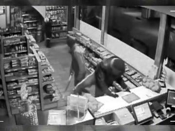 Frame 35.226752 de: Desarticulas tres bandas de atracadores violentos