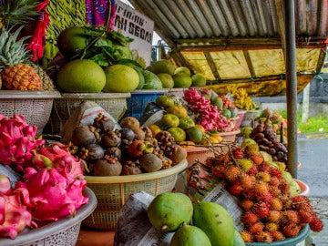 Las frutas más desconocidas para refrescarte este verano