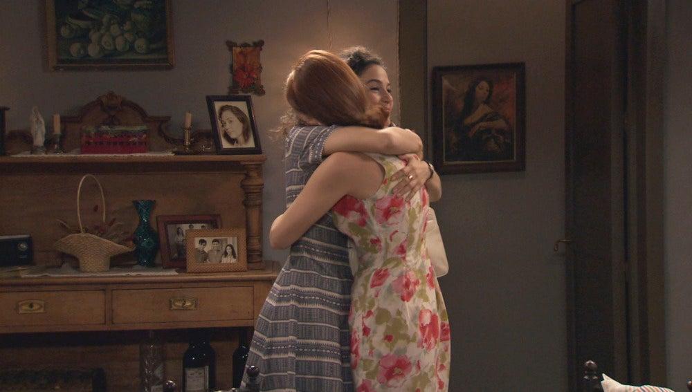 Carmen perdona a Loli