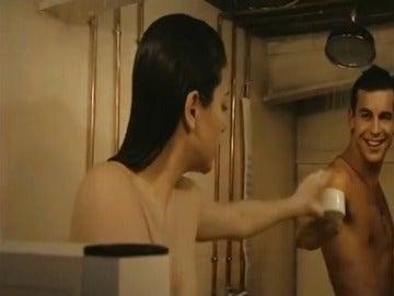 Ainhoa y Ulises en la ducha