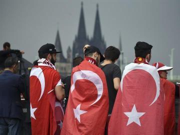 Manifestación en Colonia a favor de Erdogan.