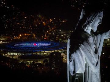 Estadio Maracaná con el Cristo Redentor de Brasil (01-08-2016)