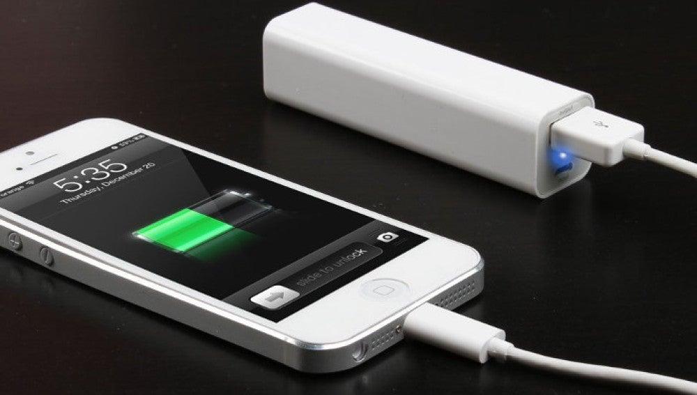 Móvil con batería externa Power Bank
