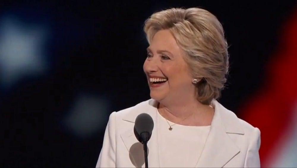Frame 21.463679 de: Clinton aventaja en las encuestas a Trump