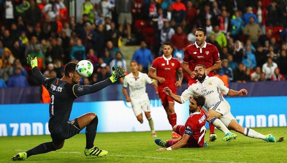 El disparo de Carvajal que da la Supercopa de Europa al Madrid