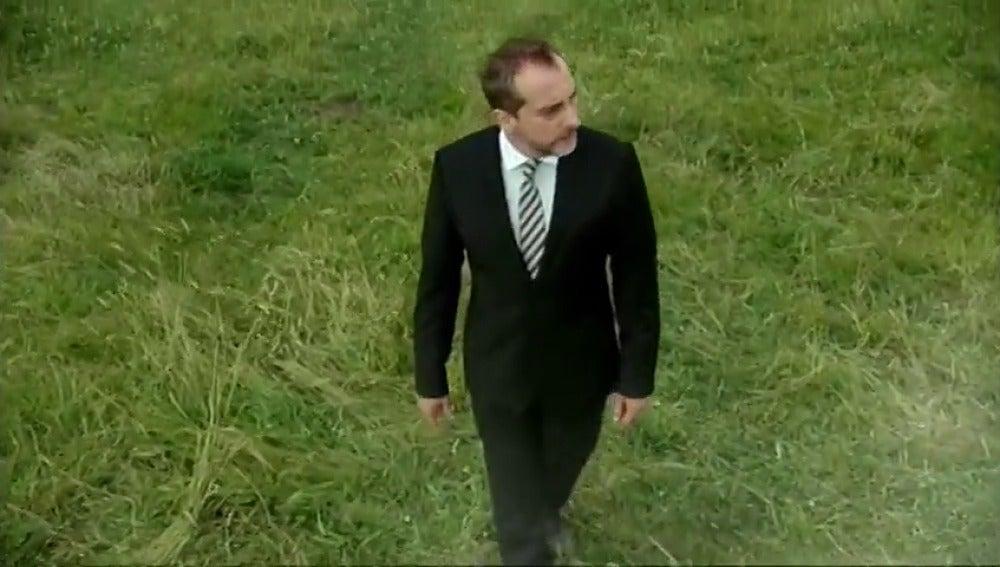 Frame 53.7081 de:  Cabecera 'Doctor Mateo'