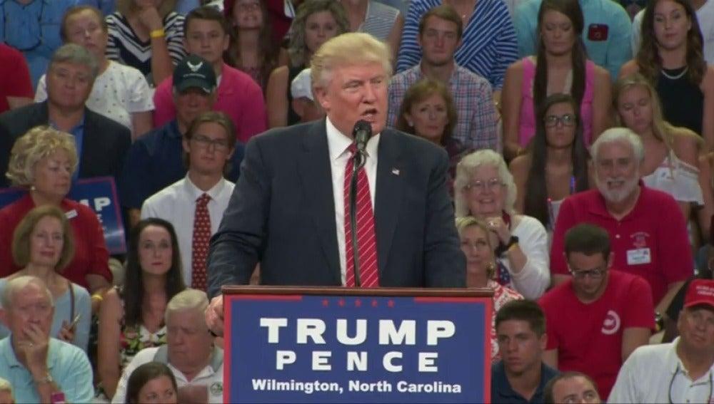 Frame 12.951523 de: Trump sugiere que los que apoyan la posesión de las armas actuen contra Clinton