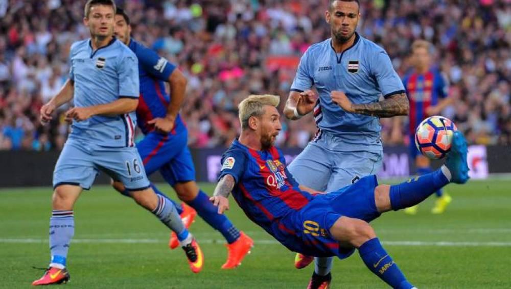 Chilena - asistencia de Messi en el Gamper