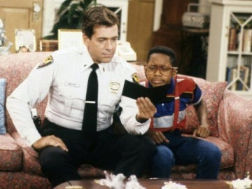 Muere Barry Jenner, actor de 'Cosas de Casa'