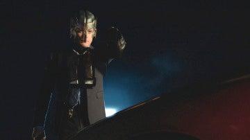 El Maestro Carcelero secuestra a Supergirl