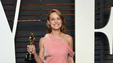 Brie Larson con su Oscar por 'La Habitación'