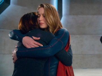 Supergirl perdona a Alex