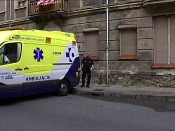Frame 15.449033 de: Muere una niña de un año al caer del balcón de un segundo piso
