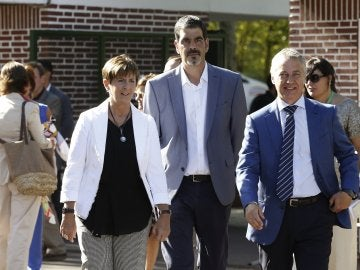 Íñigo Urkullu junto a Arantza Tapia y a Eneko Goia